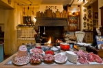 BORDEAUX - LaTupina kitchen